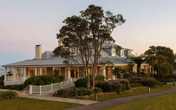 Kauri Cliffs Special Offer